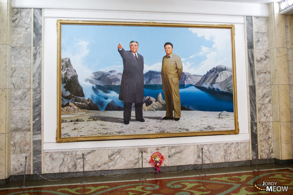 Kim Il-sung and Kim Jong-il together looking towards the bright future
