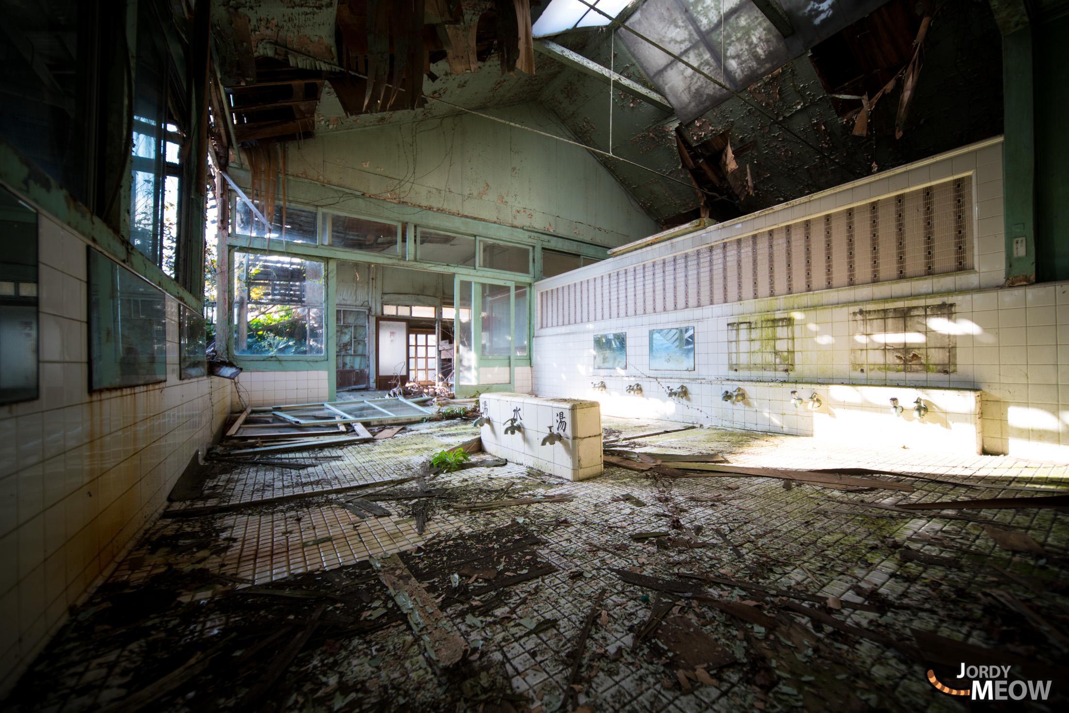 abandoned, chiba, haikyo, japan, japanese, kanto, ruin, sento, urban exploration, urbex